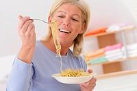 ELDERLY P. EATING STARCHY FOOD<BR>Model.