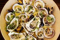 Seafood platter. Ecuelle du Père Dédé. Cancale. BritTany. France.
