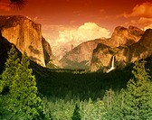 Scenic Yosemite valley, Yosemite National Park, California, USA.