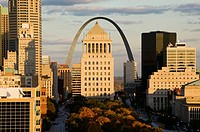 Downtown & Gateway Arch from the West at sunset. St. Louis. Missouri, USA.