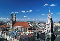 Germany, Munich, Neues Rathaus and The Frauenkirche, elevated view