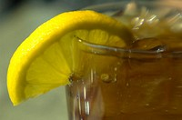 Iced tea with lemon slice