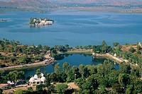 Jag Mandir, Lake Pichola, Hill Park. Udaipur. Rajasthan. India.
