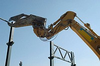 Demolition girder construction