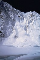 Avalanche on Mount Everest