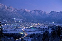 Germany, Bavaria, Allgaeu, Oberstdorf, , long time exposure,  Winters, twilight, Allgaeuer Alps, OberAllgaeu, mountains, city, winter sports resort, h...