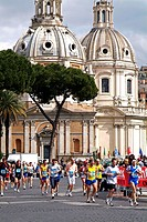 Italy, Rome, piazza Venezia, city run,  Participants no models release! Europe, region Latium, capital, sight, constructions, architecture, Santa Mari...