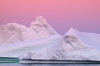 Canada, island Newfoundland, St. Julien´s  Bay, icebergs, dusk  North America, Viking Trail, Atlantic, sea, iceberg, ice, drives, considerably, impres...
