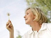 Meadow, woman, middle age, Pusteblume, Side portrait,   Series, 40-50 years, blond, hand, dandelion withers, looking at, contemplating, relaxation, we...