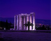 Corinthian style columns, Temple of zeus olympios ruins, Athens, Greece.