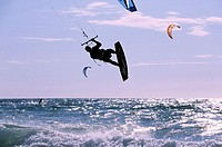 France, Finistère (29), kitesurfing at the Pointe de la Torche