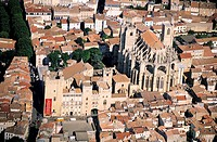 France, Aude (11), Narbonne, the archbishop palace and the cathedral Saint-Just-et-Saint-Pasteur, aerial view