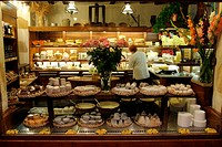 France, Allier (03), Montluçon town, cheese shop