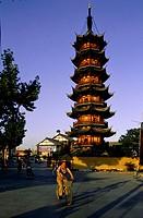 China, Shanghai, Longhua Buddhist temple (MR OK)