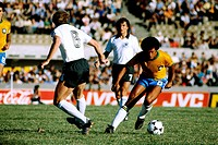 Sport / Sports, soccer, football, World Cup, Copa de Oro/Mini World Cup, Brazil against Germany 4:1 in Montevideo, Uruguay, 7 1 1981, scene with Karl-...