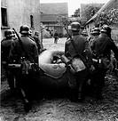 SG hist , Nationalsozialismus, Wehrmacht, Heer, Pioniere, Sturmpioniere mit Schlauchboot, 1940/1941, Deutschland, Drittes Reich, Militär, 2  Weltkrieg...