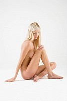 Nude young woman (thumbnail)