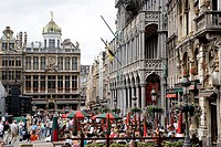 Belgium, Brussels, Grand´ Place, street-cafe, tourists, series, Benelux, capital, big place, guildhalls, houses, architecture, cafe, pub, guests, pass...