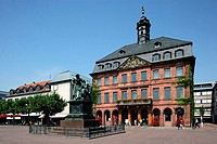 Germany, Hesse, Hanau, brothers Grimm monument 1896 Neustädter town hall, place, architecture, builds sandstone-facade 1723 - 1733 Europe, market plac...