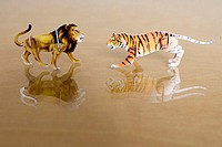 Toy, Steckfiguren, tigers, lion, opposite, table, toy, animals, toy-animals, game-figures, colorfully, 3-D puzzles, together-been, carnivores, predato...