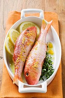 Red mullet with lemon sauce and thyme (thumbnail)
