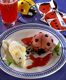 Child menu - Ladybird-shaped strawberry sorbet, mouse-shaped rice pudding