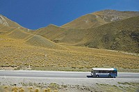 New Zealand, South Island, Otago, Lindis Pass, Bus