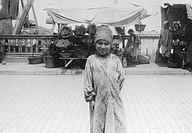 algeri, piccolo mendicante, luglio 1910