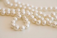 Pearl necklace, close-up