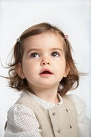 Toddler girl 18-21 months looking up