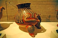 Costa Rica, San JosÚ, National Museum, Indian piece of pottery (thumbnail)