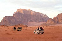 Jordan, Wadi Rum, trekking in the desert