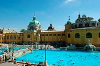 Hungary, Budapest, SzÚchenyi Bath, swimming pool