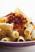 Rigatoni with tomato and aubergine sauce