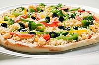 Vegetable pizza unbaked