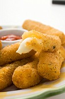 Mozzarella sticks with marinara sauce