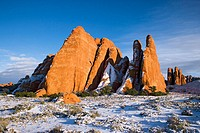 Winter brings snow to the high desert and sandstone fins of Arches National Park, Utah, USA