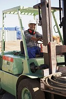 Man using forklift (thumbnail)