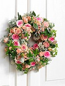 Girdle of flowers made of roses, ivy, lavender and sage