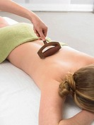 Back massage with a massage tool