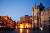The cathedral at Piazza del Duomo, Syracuse, Sicily