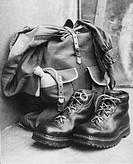 scarponi e zaino da montagna, 1948