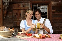 Couple, cottage, break, snack,