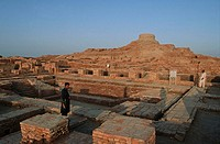 Pakistan, Sind Region, Mohenjo-Daro, Stupa, bath