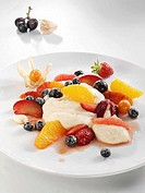 Semolina pudding with fruit