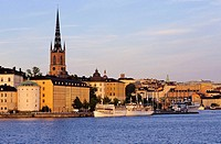The banks of Riddarholmen, Riddarholm church built from 13 th. to 14 th. centuries, old town (Gamla Stan), Stockholm, Sweden
