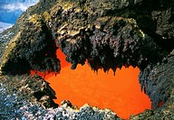 Open 'skylight' reveals river of molten lava flow, Hawaii (thumbnail)