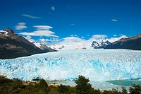 Glacier surrounded by mountains, Moreno Glacier, Argentine Glaciers National Park, Lake Argentino, El Calafate, Patagonia, Argentina