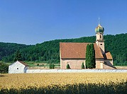 Germany, Bavaria, Altmühltal, Gundlfing, church St  Agatha, field, grain field, hills, forest, summer, lower bavaria, sacral-construction, Lord´s hous...