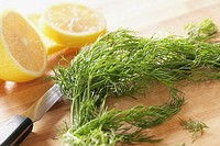 Fennel stems and lemon slices